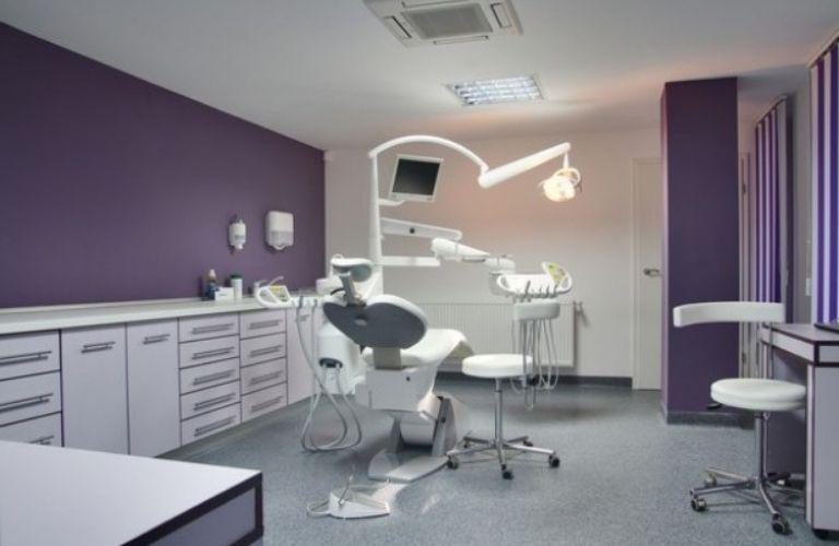 Nha khoa Quốc tế Á Châu sở hữu trang thiết bị hiện đại, tân tiến phục vụ cho dịch vụ niềng răng
